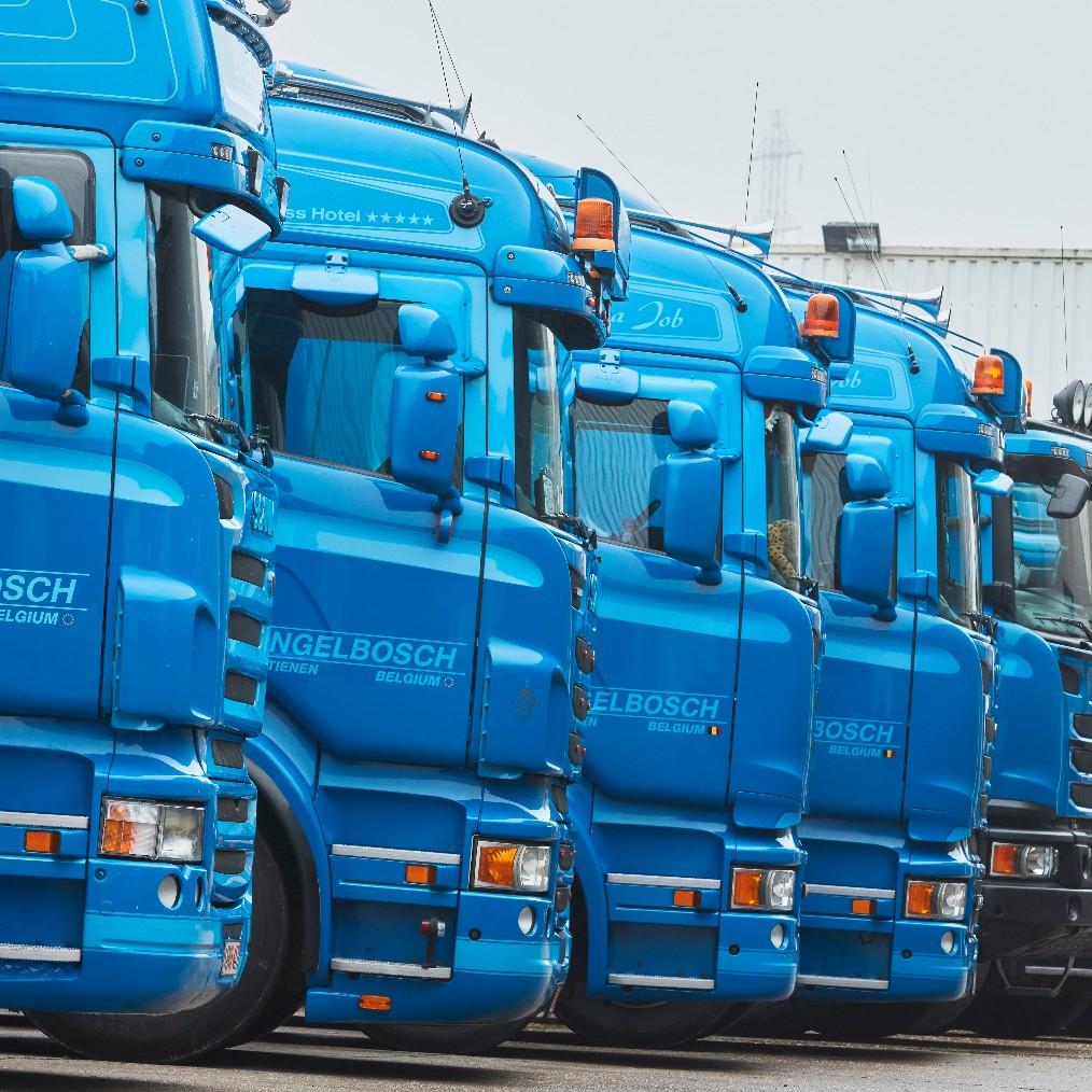 ENGELBOSCH I vrachtwagens, chauffeurs, materiaal